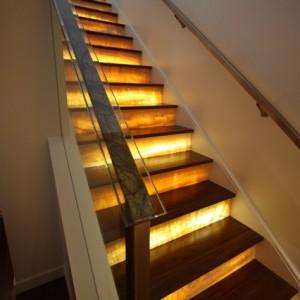 Освещение домашней лестницы